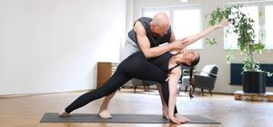 NL 33 - Parivritta Parshvakonasana Adjustment (lateral)