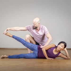 Fascia Yoga for the hips