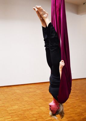 Aerial Yoga: now even hovering in the air is possible (Ingrid)