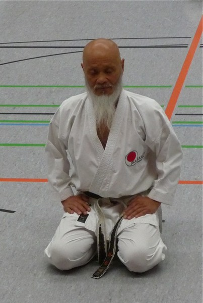Sensei Hideo Ochi in meditation