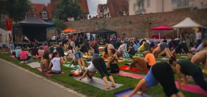 108 sun salutations to celebrate the International Yoga Day in Ulm